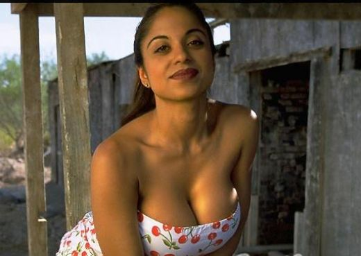 Indian Aunty Big Cleavage Photos  Andybest Tv-9869