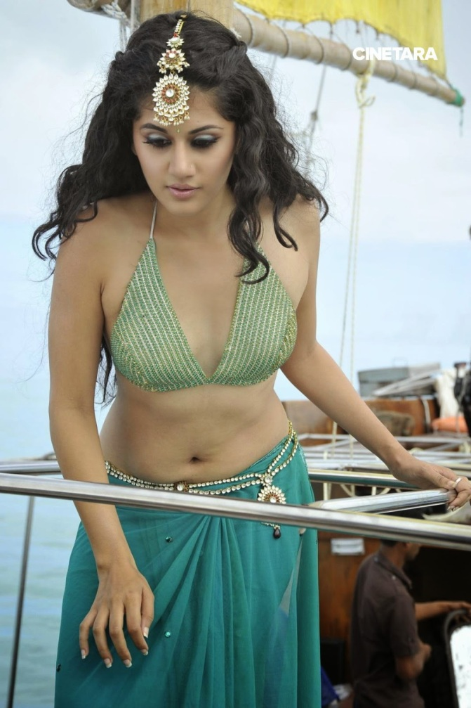 http://cinetara.com/photos?s=Tapsee+