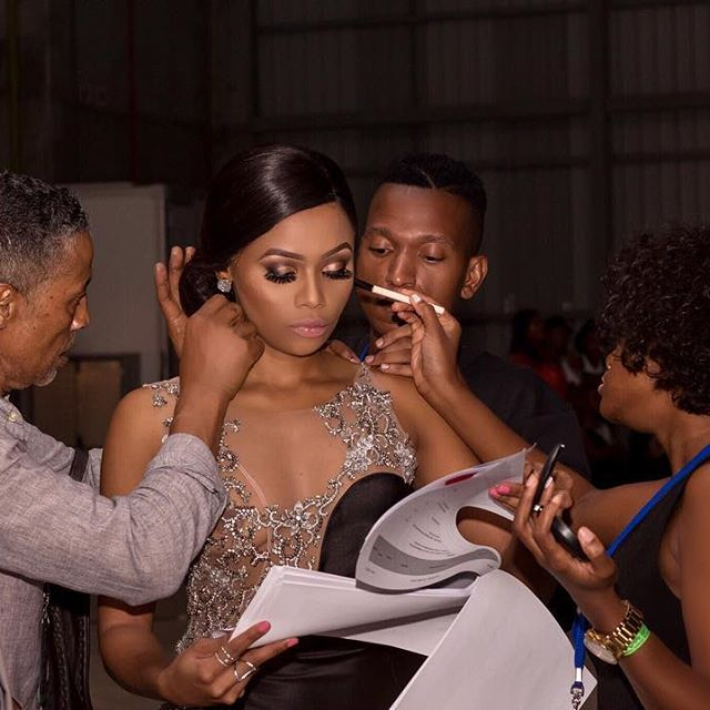.....all hands on deck!!! Backstage moments with my glam glamz..... #NAMA2017 📸 @inophotography35