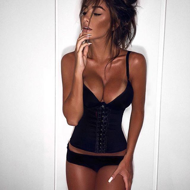 Cinta modeladora @adunaremodeladores, afina a cintura, reduz medidas e melhora a postura. ♡