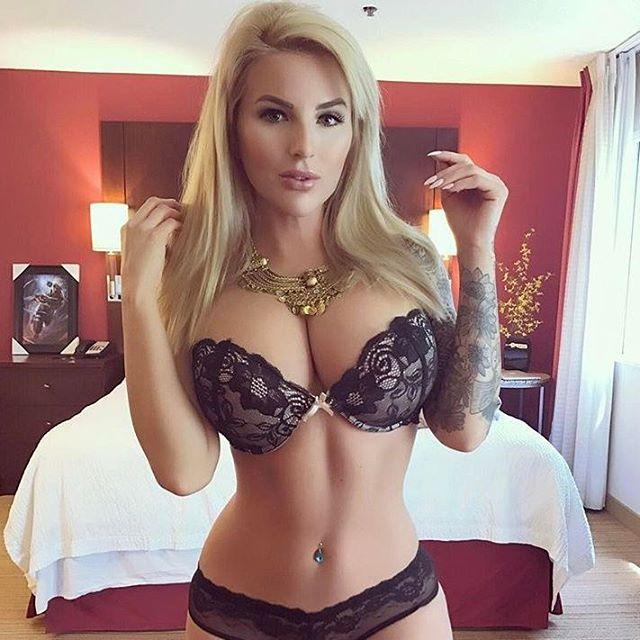 Model @jessicakes33