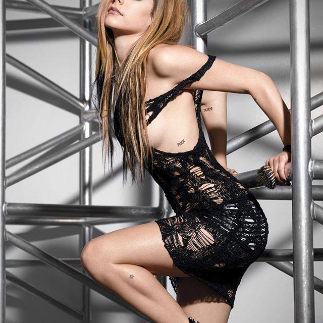 Avril Lavigne #avrillavignesc #avrillavigne #sexy #celebrity #hot #singer