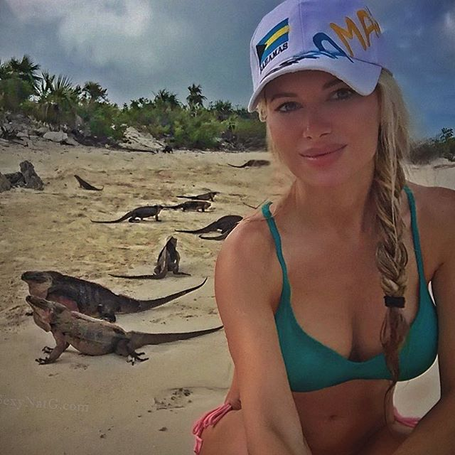 🐲 chillin' with my new friends 💚 #Bahamas #IguanaIsland #IslandLife 🌴