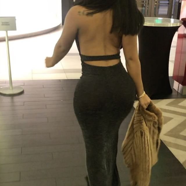 Let me kill these bitches single handedly. #thickass #prettyass #exotic #softbootyalert