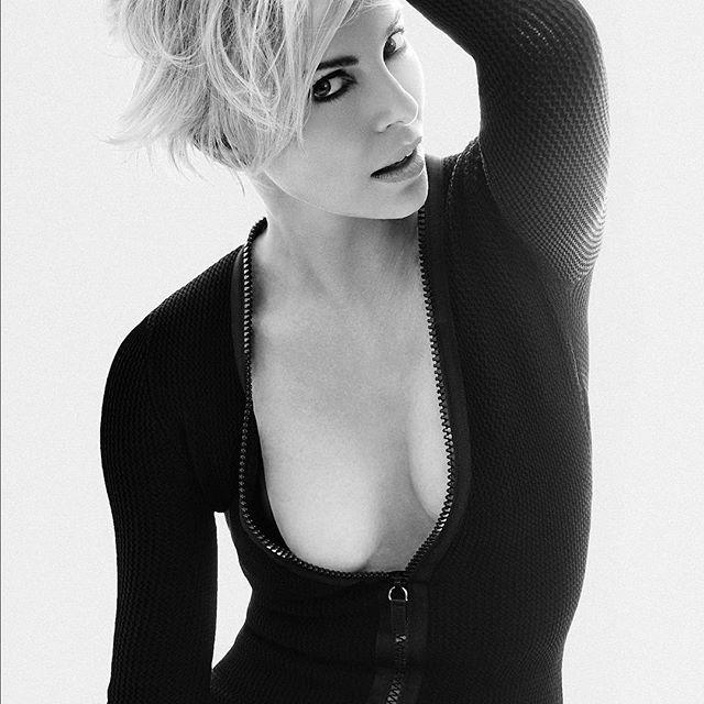 Charlize Theron #charlizetheronsc #charlizetheron #blackandwhite #sexy #celebrity #hot #actress