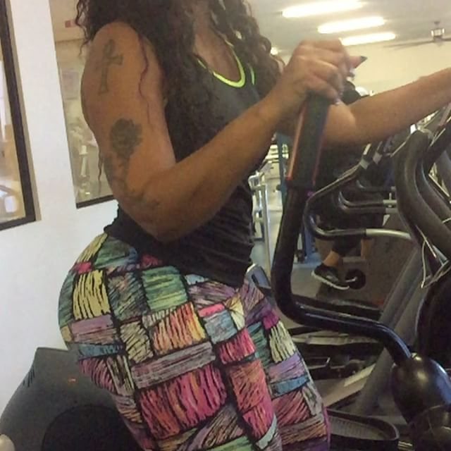 Cardio cardio cardio 😉😉😉😉😉😉Cherokeedass.com Clubcherokeedass!!! Clubcherokeedass.com Clubcherokeedass.com!! #teamdass #natural #teamdass #curves #cherokeedass #cherokeesfetishes #sandals #cherokeedass #meanasscuff #cuffingseason #cuffing #thickness #glasses #nofilter #cherokeedass #clubcherokeedass #dass #hips
