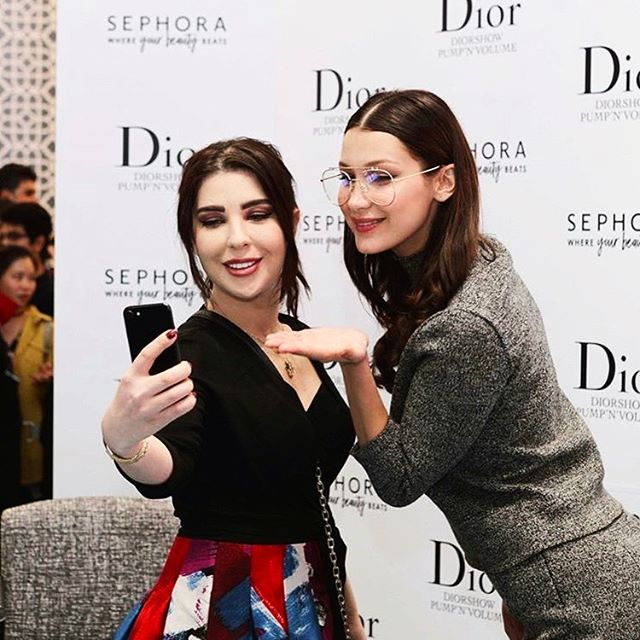 Traveling alone can be lonely sometimes but THIS genuinely and truly makes it all worth it...meeting and talking to each one of you makes my day every SINGLE time💙💙💙Thank you for coming to support me and @diormakeup @sephoramiddleeast 🦋🦋🦋🦋All my love 😇😇😇