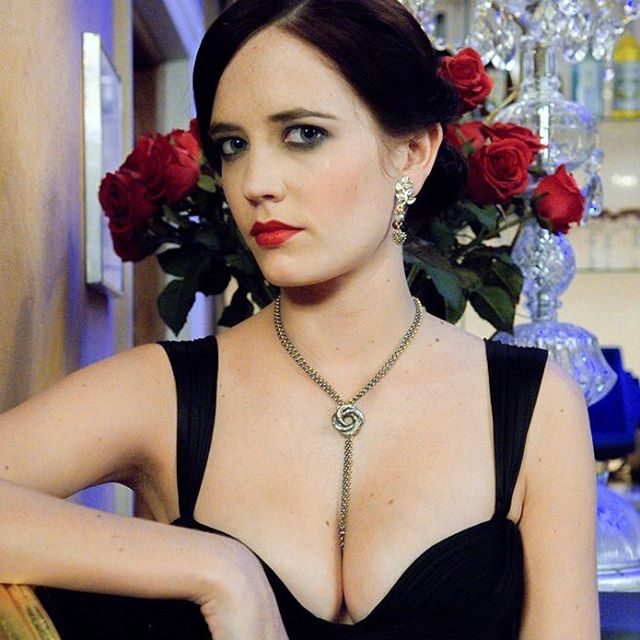 Eva Green #evagreensc #evagreen #sexy #celebrity #hot #actress #darkhair