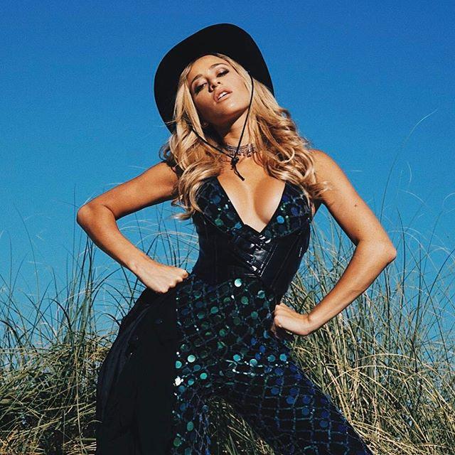 Cowgirl Glam #coachella #SoulsThatGlitter #PLTXPaper