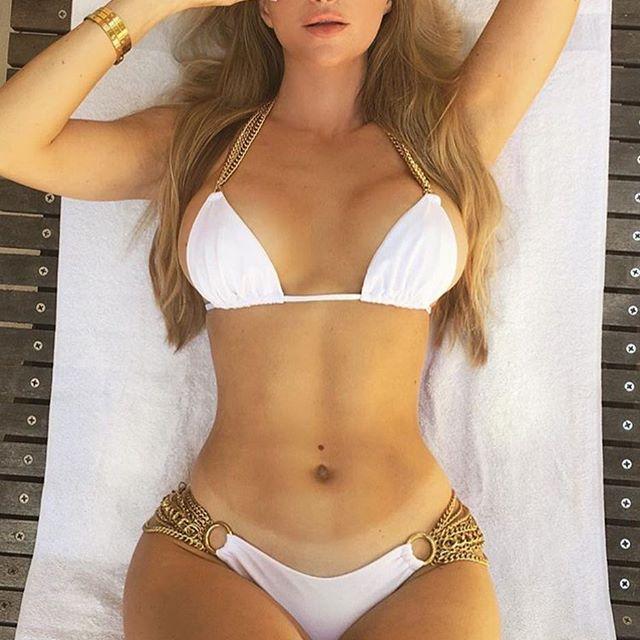 Body goals. @amandaeliselee