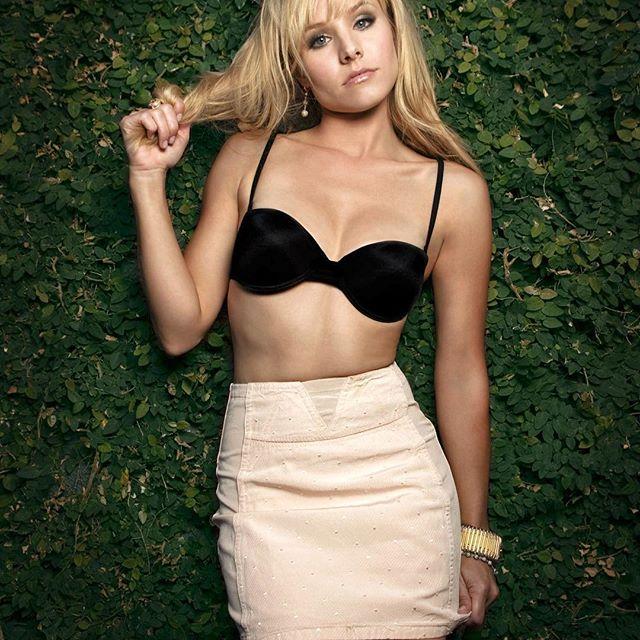 Kristen Bell #kristenbellsc #kristenbell #sexy #celebrity #hot #actress #blonde #skirt