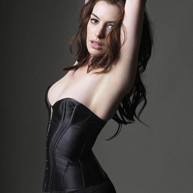Anne Hathaway #annehathawaysc #annehathaway #sexy #celebrity #hot #actress #brunette