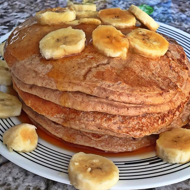 🍌 Made high #protein #pancakes for #breakfast this morning. #Recipe on www.sexynatg.com 🍴