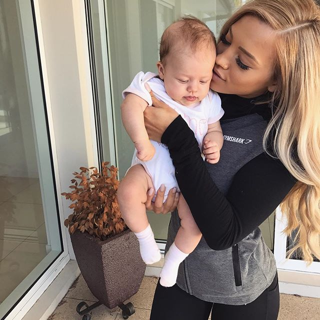 My bubby girl is losing all her hair (it happened to Wolf too) 👶 wearing @gymshark tracksuit #gymshark