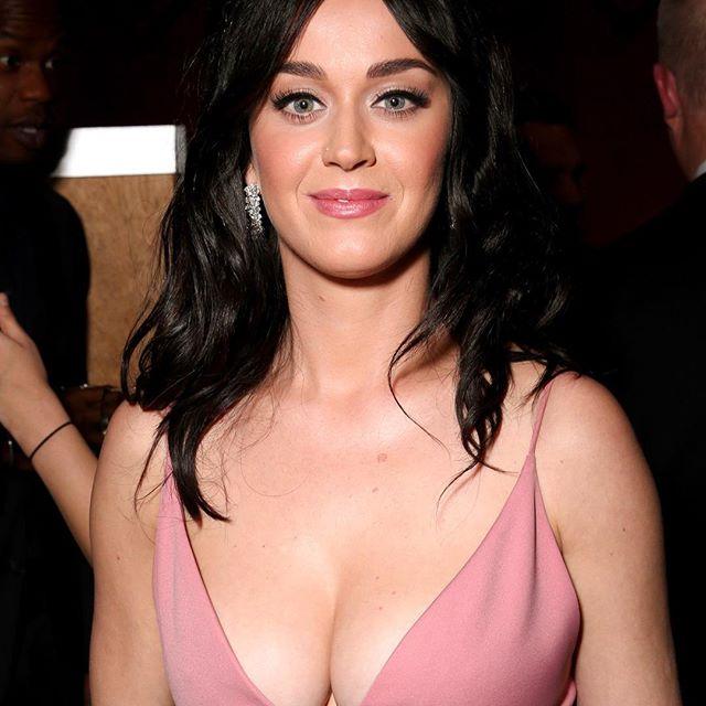 Katy Perry #katyperrysc #katyperry #sexy #celebrity #hot #singer #darkhair