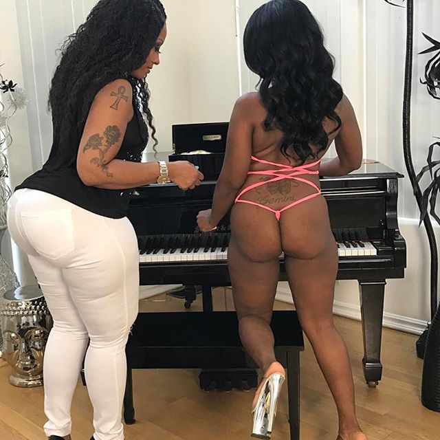 Click the link in my bio Teaching her how  to play the Piano 😋😋😋Cherokeesfetishes.com @trazcy_kush Cherokeesfetishes.com Cherokeesfetishes.com #teamdass #natural #teamdass #curves #cherokeedass #cherokeesfetishes #sandals #cherokeedass #meanasscuff #cuffingseason #cuffing #thickness #glasses #nofilter #cherokeedass #clubcherokeedass #dass #hips