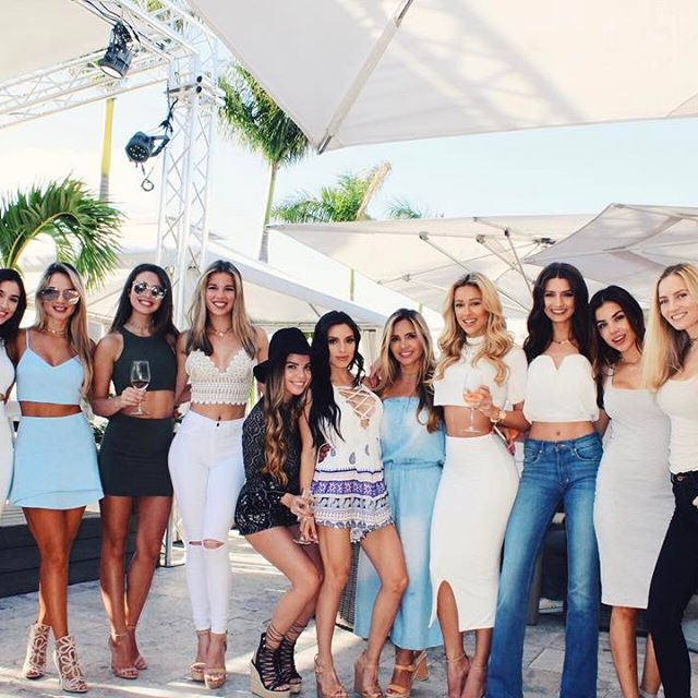 Blog post up on www.cindypradoblog.com - such an amazing time at @instylshop brunch at @islandgardensdeck with these gorgeous ladies! All wearing Instyl Shop