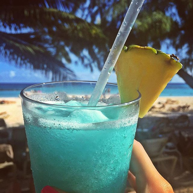 🐠 Just arrived in #Barbados 😍 #HappyHour 🍾 #BlueHawaiian 💙 #IslandLife