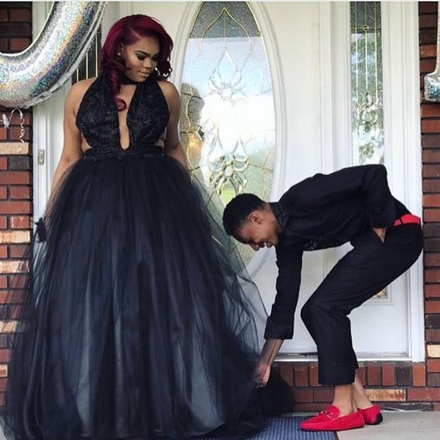 FFS IF I COULD GO TO PROM THIS YEAR, ID DO THIS EXACT LOOK (maybe with a likkle touch of gold) BOY SHE SLAYED.  #prom #prom2k17 #prom2017