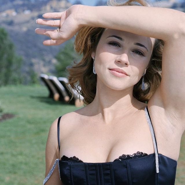Linda Cardellini #lindacardellinisc #lindacardellini #sexy #celebrity #hot #actress