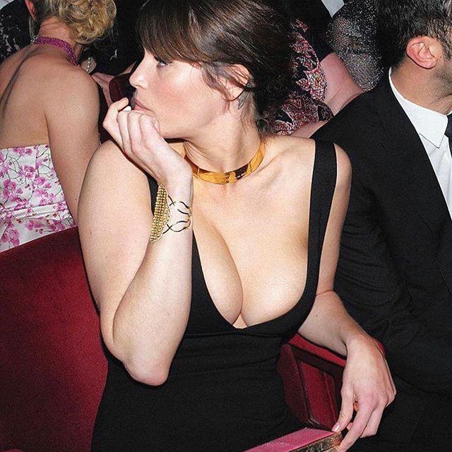 Gemma Arterton #gemmaartertonsc #gemmaarterton #sexy #celebrity #hot #actress #dress #busty