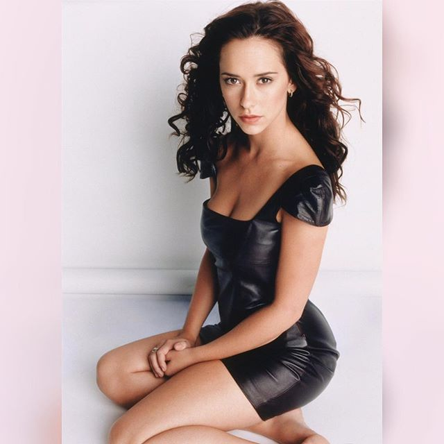 Jennifer Love Hewitt #jenniferlovehewittsc #jenniferlovehewitt #sexy #celebrity #hot #actress #brunette