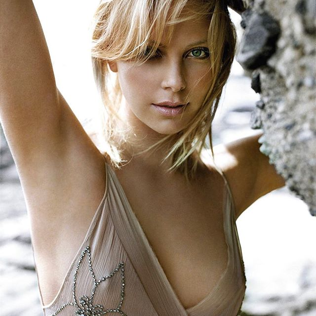 Charlize Theron #charlizetheronsc #charlizetheron #sexy #celebrity #hot #actress #beauty #beautiful #sèxy #blonde