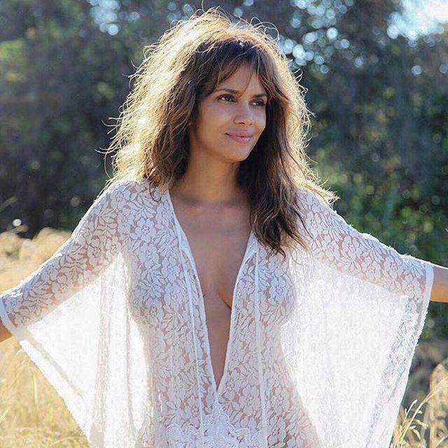 Halle Berry #halleberrysc #halleberry #sexy #celebrity #hot #actress