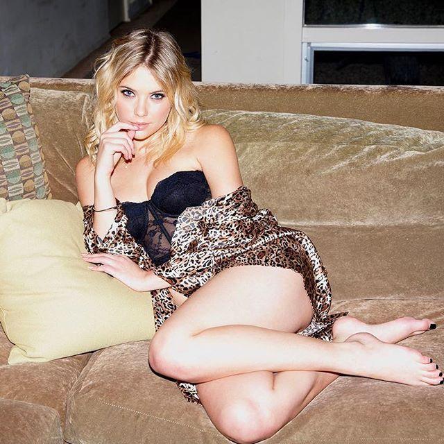 Ashley Benson #ashleybensonsc #ashleybenson #sexy #celebrity #hot #actress #blonde