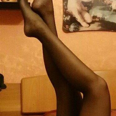 Oltre 5000.....vi dedico le mie gambe in autoreggenti....💖