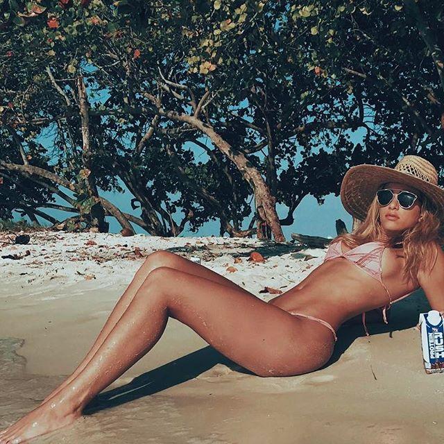 Bikini ✔️ Hat ✔️ Sunnies ✔️ VPX Protein Rush ✔️ - This protein shake is so good it's dangerous 😛😛😛 @vpx_sports #VPX #vpxsports