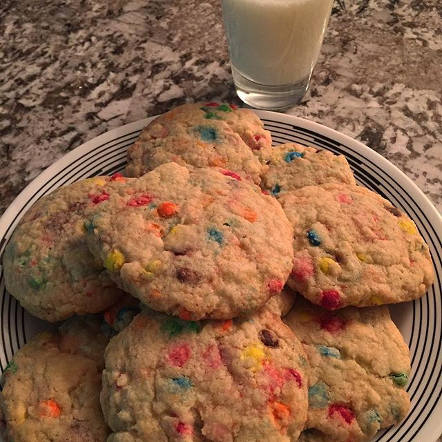 🍪🍪🍪 Sometimes I bake #cookies at 1am 💁🏼